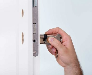 commercial lock change service